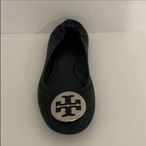 RIGHT SHOE ONLY Tory Burch black leather flat 6.5